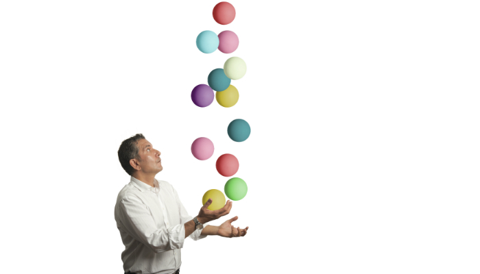 Juggling man 400x700